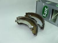 Колодки тормозные барабанные задние LPR 07490 комплект 4шт (Logan 1, Sandero диаметр 180мм, 7701205758)