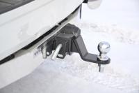 Фаркоп съемный квадрат Toyota Land Cruiser Prado 150 2009-2016, 2017+ PT Group 09021501 с накладкой из нержавеющей стали (тойота лэнд крузер прадо тсу прицепное устройство пт групп)