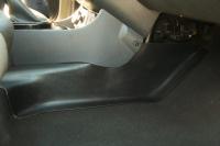Накладки на ковролин центральные на тоннель пола Renault Duster 2011-2014 комплект 2шт АртФорм (Рено Дастер, яго)